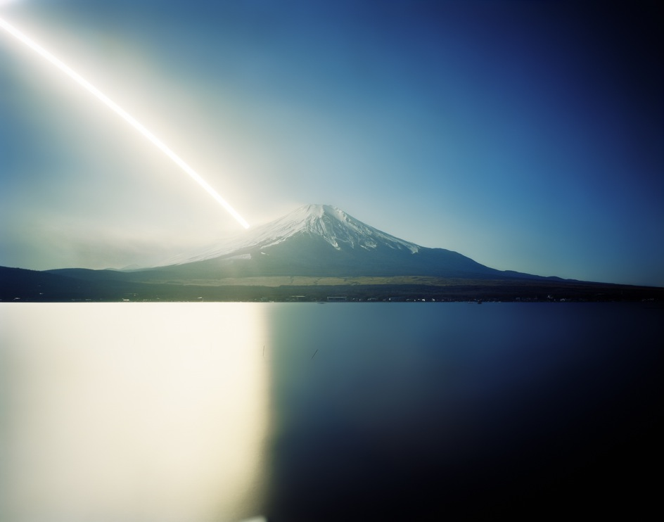 This image has an empty alt attribute; its file name is kitano_fuji.jpg