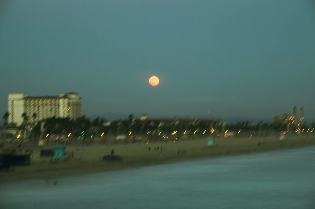 This image has an empty alt attribute; its file name is 06NewPortBeach_web-1024x681.jpg